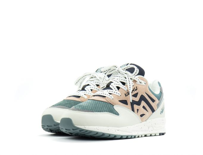 Karhu Legacy 96 'legend' Pack lily white cameo rose