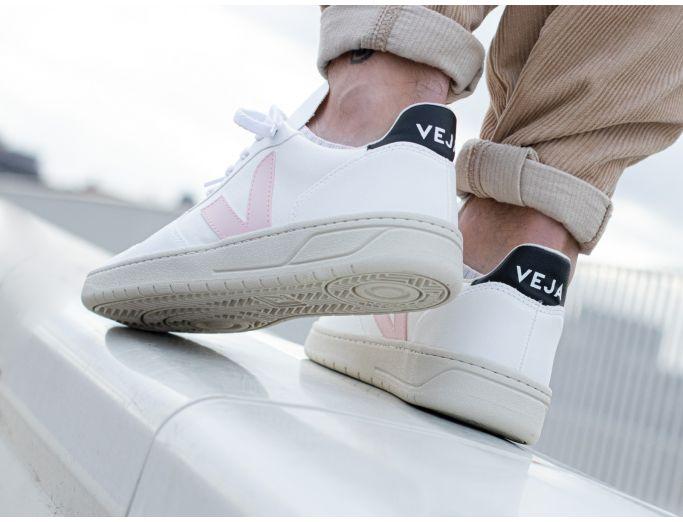 Veja V-10 CWL Vegan white petale black